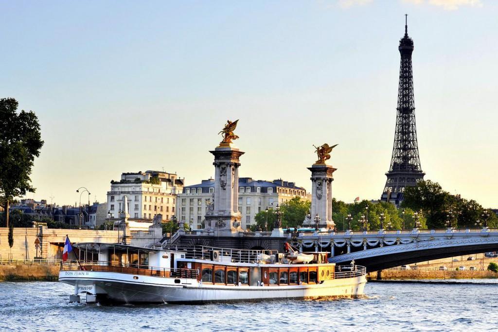 Ką aplankyti Paryžiuje. Kruizai Senos upe