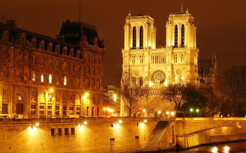 Ką aplankyti Paryžiuje. Paryžiaus Dievo Motinos katedra