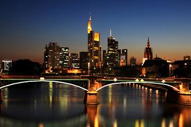 Vilnius - Frankfurtas, Kaunas - Frankfurtas. Pigūs lėktuvų bilietai į Frankfurtą